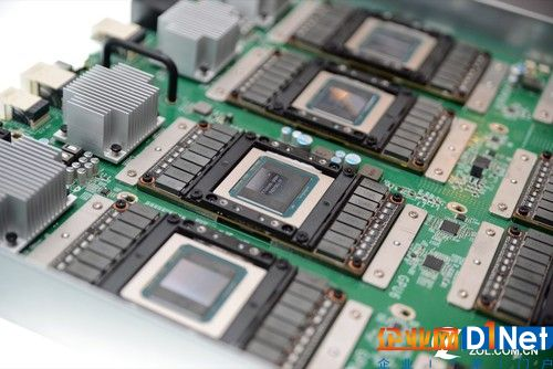 标准的HGX设计架构包含8颗SXM2尺寸的NVIDIATesla? GPU加速器,并采用NVIDIANVLink?高速互连技术与经过优化的PCIe拓扑并以多维数据集网格连接。借助模块化设计,HGX机箱适用于全球现有数据中心机架部署,并酌情使用超大规模CPU节点。