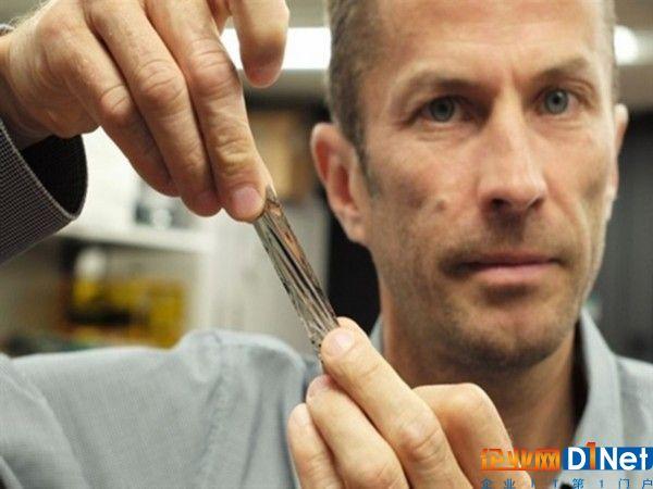 硬盘被秒成渣!IBM磁带技术能装330TB数据