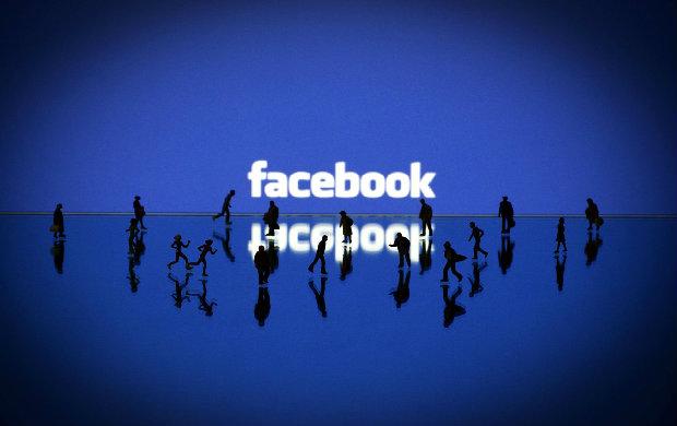 两家顶级科技公司的选择:腾讯向左Facebook向右