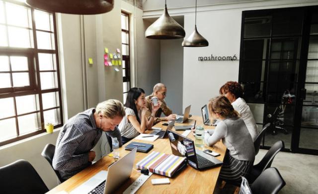 为工作场所选择合适的沟通和协作技术